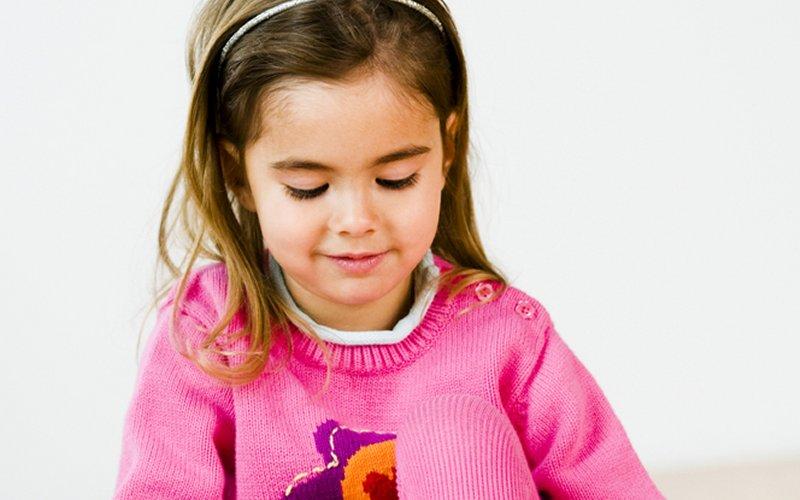 kako naučiti dijete da zaveže vezice