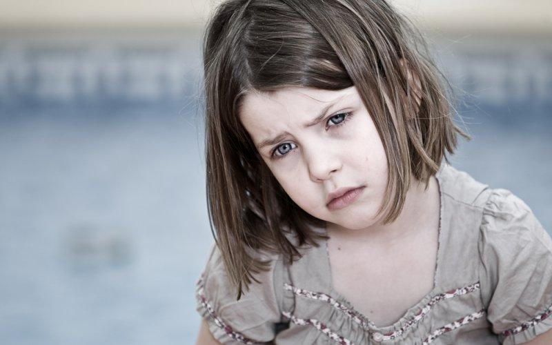 tužna djevojčica