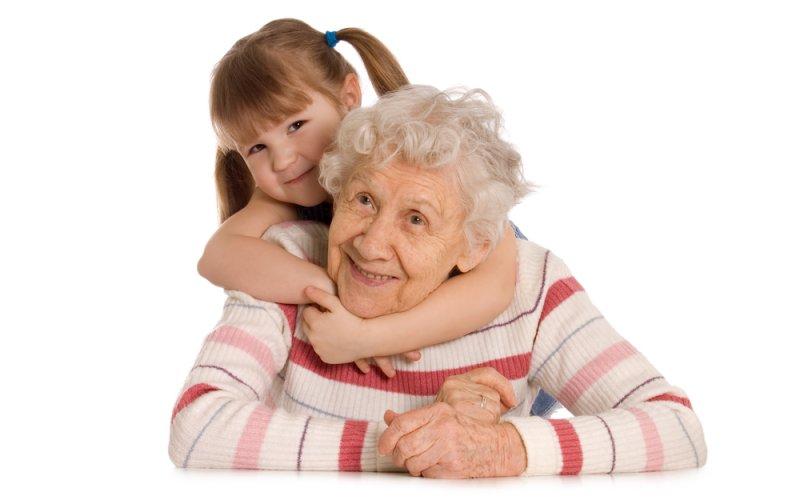 djevojičica i baka