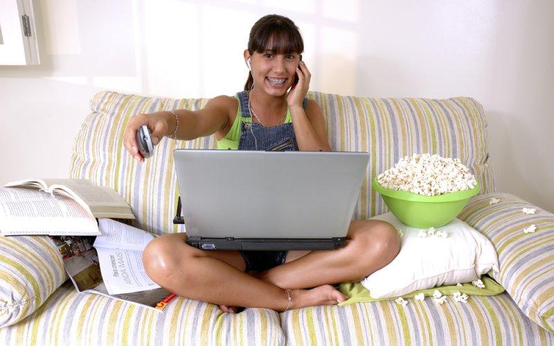 djevojka s laptopom