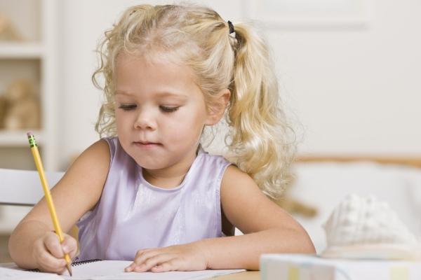 dijete i prva slova
