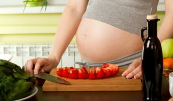 trudnica koja jede